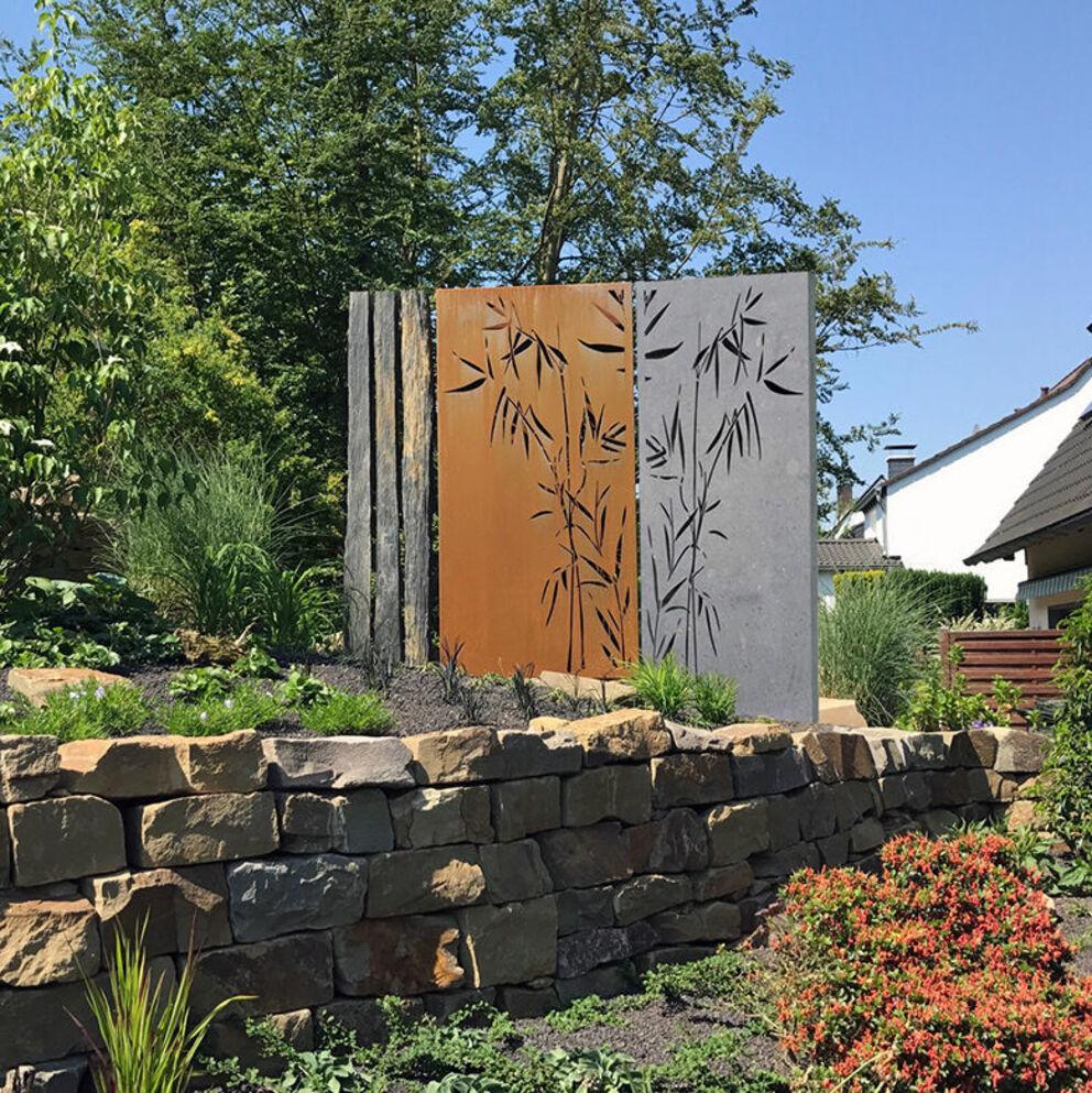 Naturstein Sichtschutz Mit Motiv Fur Den Garten